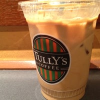 Photo taken at Tully's Coffee 横浜相鉄ジョイナス店 by babo on 7/10/2012