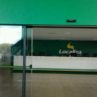 Photo taken at Localiza Rent a Car by Luis G. F. on 3/10/2012
