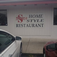 Photo taken at Stephanie's Homestyle Restaurant by Jeremiah G. on 8/15/2012