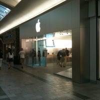 Photo taken at Apple Oxmoor by Brian D. on 7/20/2012