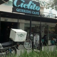 Photo taken at Cielito Querido Café by Andres K. on 4/5/2012