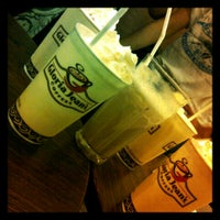 Photo taken at Gloria Jean's Coffee by mario r. on 8/17/2012