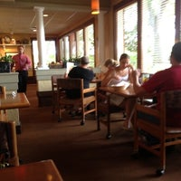 Photo taken at Olive Garden by Mario P. on 3/30/2012
