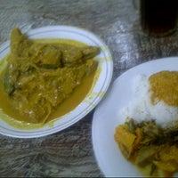 Photo taken at Restoran Datuk Padang by Noe on 9/5/2012