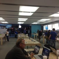 Photo taken at Apple Store, Anchorage 5th Avenue Mall by Eka P. on 8/17/2012