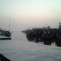 Photo taken at Pelabuhan Muara Angke by fitrah h. on 8/30/2012
