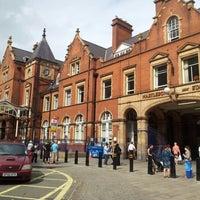 Photo taken at London Marylebone Railway Station (MYB) by Stefan B. on 8/22/2012
