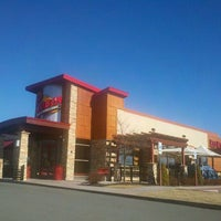 Photo taken at Red Robin Gourmet Burgers by Christine R. on 2/9/2012