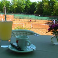 Photo taken at Alexx Tennis am Tivoli by Vesselka V. on 5/19/2012