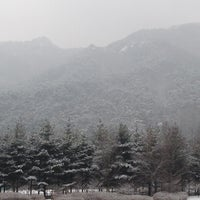 Photo taken at Chiak Service Area - Chuncheon-bound by jeong hoon l. on 2/25/2012