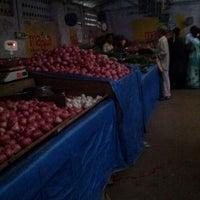 Photo taken at Karaneeswarar Vegetables And Fruits by Govindarajan P. on 3/22/2012