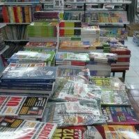 Photo taken at Toko Buku Togamas by Iszur b. on 2/18/2012
