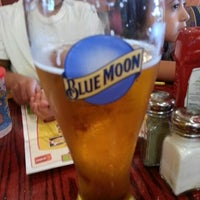 Photo taken at Red Robin Gourmet Burgers by Lorenzo L. on 7/14/2012