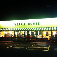 Photo taken at Waffle House by Ian F. on 8/30/2012