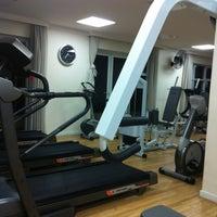 Photo taken at Toca do Urso - FitnessGymnasium by Alvaro R. on 5/12/2012