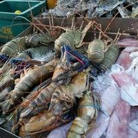 Photo taken at Senibong Village Seafood by Muhammad Amirul Azlan H. on 5/19/2012