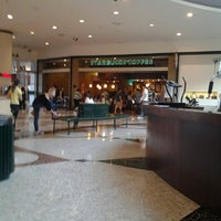 Photo taken at Starbucks by Fabiano T. on 7/26/2012