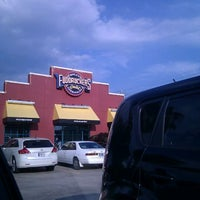 Photo taken at Fuddruckers by Anesh S. on 5/20/2012