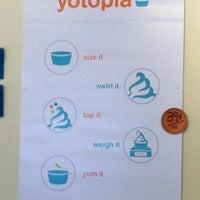 Photo taken at Yotopia Frozen Yogurt by Purse- L. on 7/26/2012