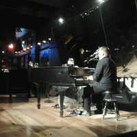 Photo taken at Jellyrolls by Osorio F. on 6/29/2012