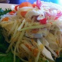 Photo taken at Sai Jai Thai by Pang*\(●ω●)/ on 4/7/2012