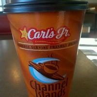 Photo taken at Carl's Jr. by Harry M. on 2/4/2012