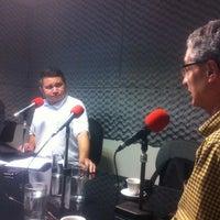 Photo taken at Rádio O POVO CBN Fortaleza FM 95.5 by Luciana V. on 5/25/2012