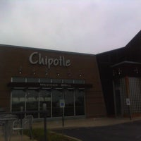 Photo taken at Chipotle Mexican Grill by Thomas T. on 7/23/2012