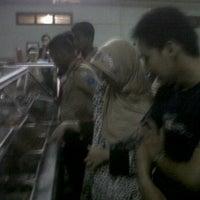 Photo taken at Rumah Makan SAMPURNA by Jon H. on 2/19/2012