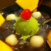 Photo taken at MOF Japanese Sweets and Coffee by WynnE Y. on 7/15/2012