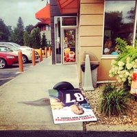 Photo taken at Dunkin' Donuts by Everett D. on 9/8/2012