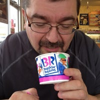 Photo taken at Dunkin' Donuts by Margi C. on 5/6/2012