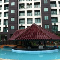Photo taken at Swimming Pool Kristal Hotel by Boy S. on 4/17/2012