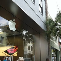 Photo taken at Apple King Street by Margo J. on 6/11/2012