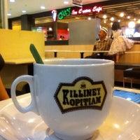 Photo taken at Killiney Kopitiam by Syarifah N. on 4/20/2012