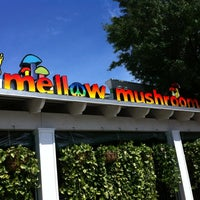 Photo taken at Mellow Mushroom by Cindy on 8/4/2012