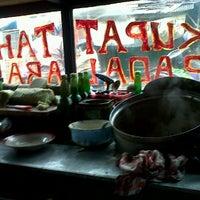 Photo taken at Kupat Tahu Padalarang by Miladia on 4/2/2012