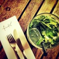 Photo taken at Pita - Bar e Kebab by Thiago U. on 2/27/2012