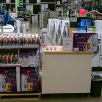 Photo taken at Lowe's Home Improvement by Eric R. on 6/30/2012