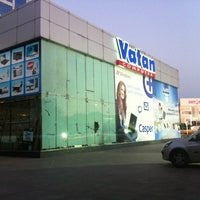 Photo taken at Vatan Bilgisayar by Erdem A. on 8/25/2012