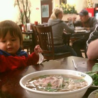 Photo taken at Pho Hoa Noodle Soup by Ruru B. on 3/9/2012