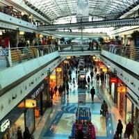 Photo taken at Centro Comercial Vasco da Gama by Shaheen A. on 2/29/2012