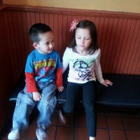 Photo taken at Friendly's by Joi W. on 4/29/2012