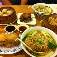 Photo taken at Taiwan Noodle by Susu C. on 6/15/2012