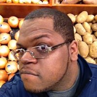 Photo taken at Giant Eagle Supermarket by André L. G. on 3/6/2012