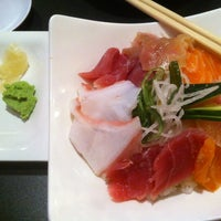 Photo taken at Momiji Sushi & Grill by Tony L. on 7/20/2012