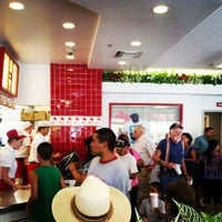 Photo taken at In-N-Out Burger by Kevin M. on 7/10/2012