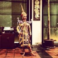 Photo taken at Anantara Bangkok Riverside Spa & Resort by Su P. on 8/14/2012