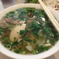 Photo taken at Pho 75 by Jee C. on 3/8/2012