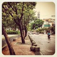 Photo taken at Plaza Alfredo Sadel by Wilmer V. on 8/19/2012